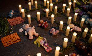 Las 41 niñas asesinadas están presentes.