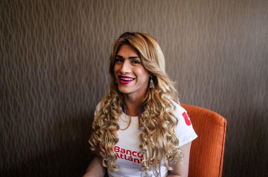 """Shantal Munguía: """"Todo el mundo pinta el ser trans como algo oscuro"""""""